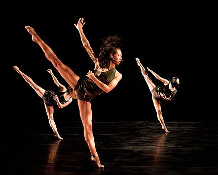 VON USSAR danceworks in Dance Gallery Festival
