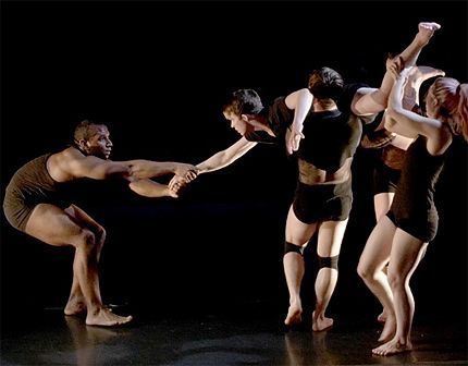 Nik Owens grabbing (left), AJ Pflumm (right) lifted by other dancers in Aaron McGloin: Lamina