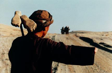 http://www.offoffoff.com/film/2001/images/kandahar.jpg