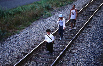 offoffoff film review the station agent movie by thomas
